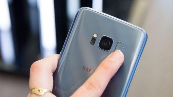 Galaxy S8 primjer je loše pozicije senzora otiska prsta.